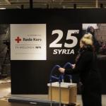IKEA installiert 'zerbombtes' Zimmer in Verkaufsraum